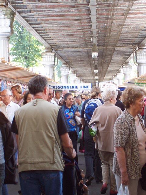 Crowds, Marche Blvd Grenelle