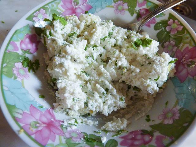 Ricotta, mint and lemon filling for stuffed zucchini flowers