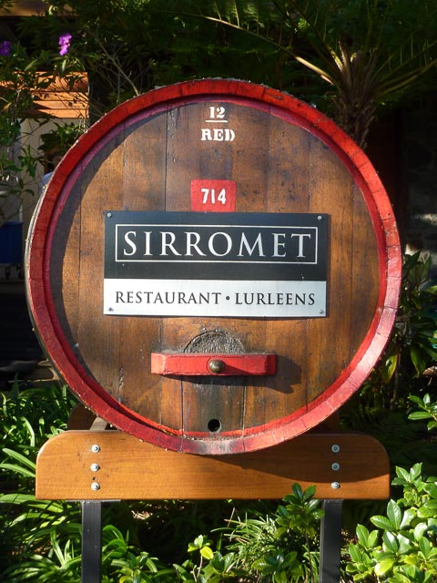 Sirromet restaurant entry