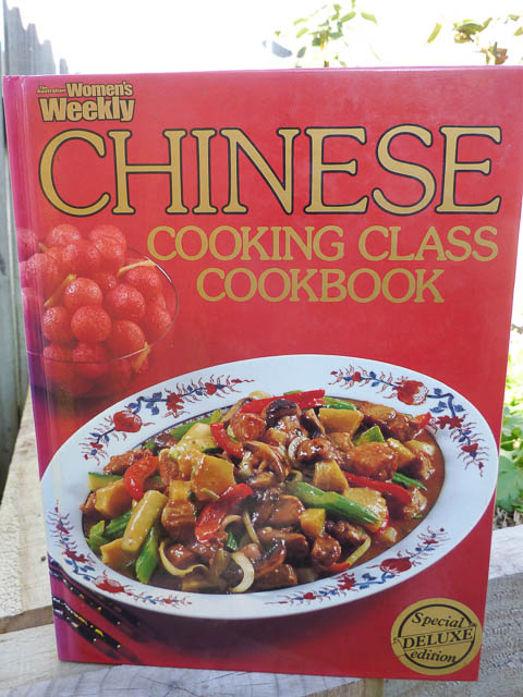 Women's Weekly Chinese Cooking Class Cookbook