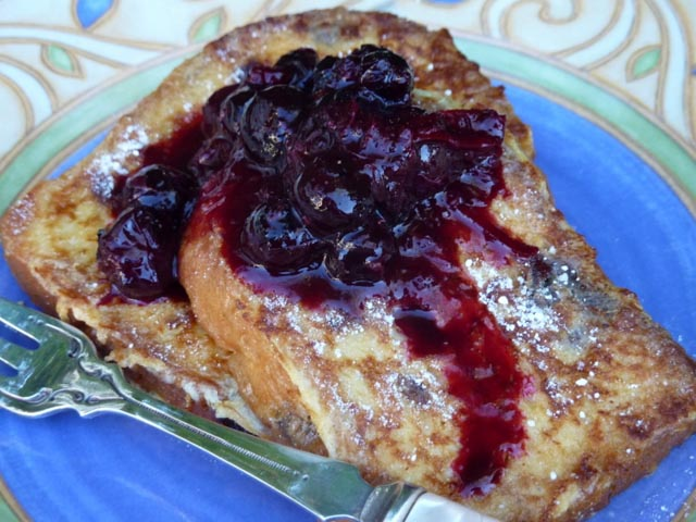 Panettone French Toast w Jammy Blueberries