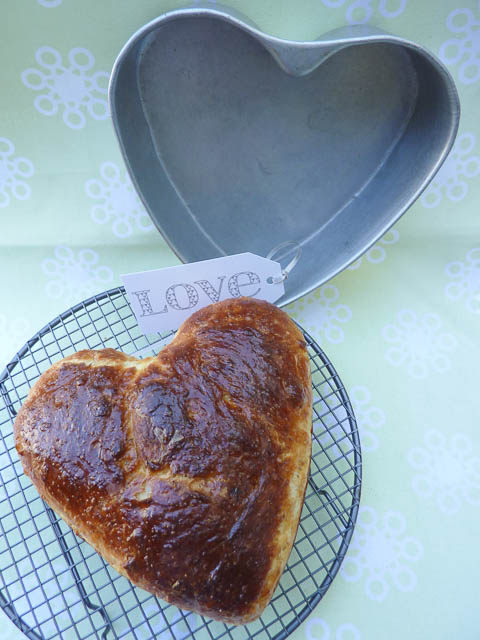 Heart Tin & Brioche