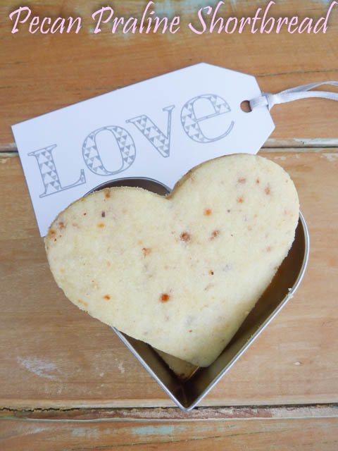 Pecan Praline Shortbread Biscuit with heart shaped biscuit cutter &printed notelet with the word 'love'