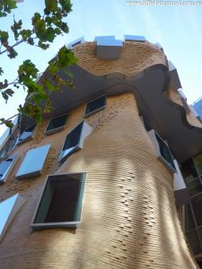 Frank Ghery's curved and folded building at UTS, Sydney