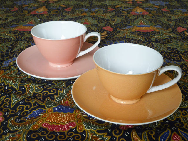 From a Baragara op shop: two ironstone kokura ware cups and matching saucers
