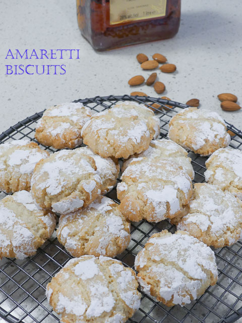 Amaretti Biscuits for Christmas