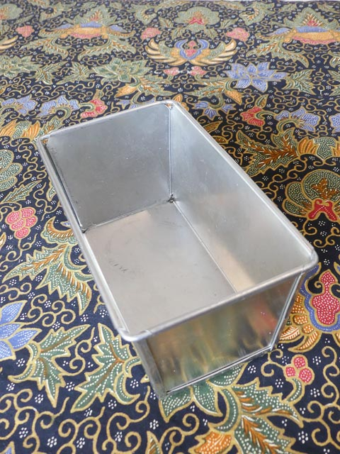 steel loaf baking tin